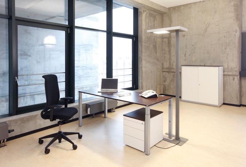 Lehr – höhenverstellbarer Schreibtisch
